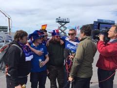 Die Fans in Island stimmen sich auf den Match gegen Frankreich ein. (Bild: Marion Loher)