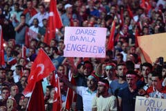 Die Demonstration am Samstagabend in Ankara. (Bild: EPA/STR)