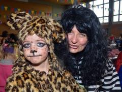 Mika der Leopard könnte einem fast Angst machen, wenn er nicht gezähmt wäre, (Bild: Romano Cuonz)