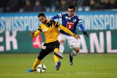 Luzerns Dario Lezcano (rechts) gegen YBs Gregory Wüthrich. (Bild: Philipp Schmidli / Neue LZ)