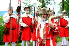 Nidwaldner Landsknechte in Uniform während den Feierlichkeiten zum Volksfest 700 Jahre Schlacht am Morgarten. (Bild: Keystone/Urs Flüeler)