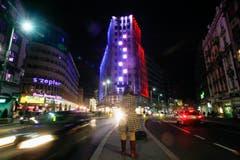 Das Kopfgeböude einer Häuserzeile in Belgrad. (Bild: EPA/KOCA SULEJMANOVIC)