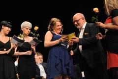 Freude über das erhaltene Diplom. (Bild: Urs Hanhart)