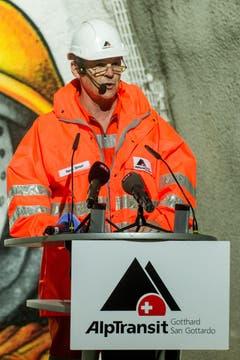 Renzo Simoni, Präsident der Direktion der Alptransit AG während seiner Rede zum erfolgreichen Durchstoss der Weströhre am Ceneri-Basistunnel. (Bild: Keystone)