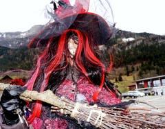 Hexen gibt es auch in Lungern in grosser Zahl ... (Bild: Romano Cuonz (Neue NZ))