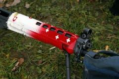 Ein patriotischer Gewehrlauf. (Bild: Werner Schelbert / Neue ZZ)