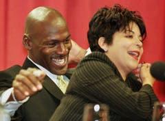 US-Basketballer Michael Jordan und Ex-Frau Juanita, die ihn bei der Scheidung um 168 Millionen Dollar erleichterte. (Bild: Keystone)