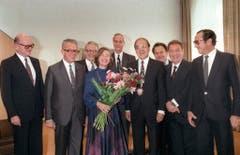 Gruppenbild mit Dame: Der Bundesrat am 2. Oktober 1984 mit Alphons Egli, Leon Schlumpf, Bundeskanzler Walter Buser, Rudolf Friedrich, Kurt Furgler, Otto Stich, Jean-Pascal Delamuraz und Pierre Aubert. (v.l.) (Bild: Keystone)