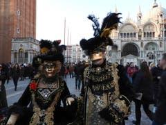 De Carnevale in Venedig, zieht jedes Jahr än ganz ä hufä Touristä a ! (Bild: Margrith Imhof-Röthlin)