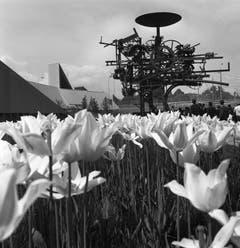 Die «Heureka» von Jean Tinguely. Seit 1967 steht sie beim Zürichhorn in Zürich. (Bild: Keystone / Str)