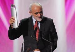 Der Schweizer Jakob Kellenberger gewinnt den SwissAward in der Kategorie Politik (Bild: Keystone)