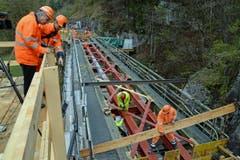Neu eingebaut werden unter anderem neue Stahlträger. (Bild: Robert Hess / Neue OZ)