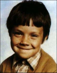 Lausbub durch und durch: Klein Robbie grinste schon als Bub frech in die Linse. (Bild: Facebook)