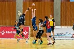 Auch die Kreuzlinger Topskorerin Martina Strmsek wurde ihrem Titel gerecht. (Bild: Christian H.Hildebrand / ZZ)