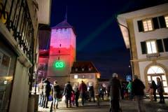 Projektionen von Licht-Spezialisten auf dem Schulhaus vor dem Berntor werden die Hauptattraktion des Festivals ausmachen. (Bild: Keystone / Cyril Zingaro)