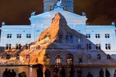 Sie habe sich vom Jubiläum 150 Jahre Erstbesteigung des Matterhorns für die neue Produktion inspirieren lassen, sagte Initiantin und Produzentin Brigitte Roux von Starlight Events am Donnerstag vor den Medien in Bern. (Bild: Keystone / Lukas Lehmann)