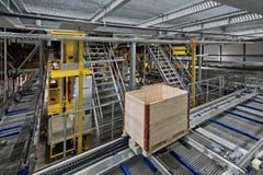 Neues Logistikgebäude der Pilatus Flugzeugwerke AG in Stans. (Bild: Pius Amrein / Neue LZ)
