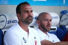 Luzerns Trainer Markus Babbel (L) und Assistenztrainer Roland Vrabec beim Super League Spiel zwischen dem FC Luzern und dem FC Sion. (Bild: Philipp Schmidli)