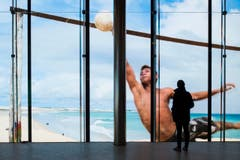 Kino mit 180-Grad-Leinwand (Bild: Keystone / Ennio Leanza)