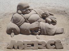 DANKE / Sandfigur in Cannes (Bild: Karin Buholzer)