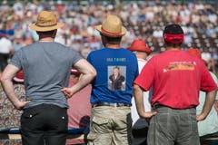 Die Fans schauen gespannt zu. (Bild: Pius Amrein)