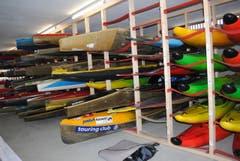 Dutzende Boote im neuen Lager. (Bild: Rosmarie Berlinger)