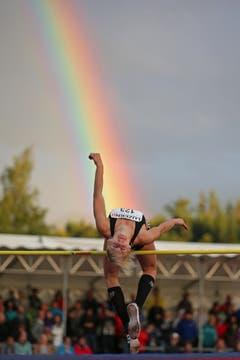 Lena Bryxi aus Deutschland gewinnt den Hochsprung-Wettkampf mit einer Höhe von 1,72. (Bild: Philipp Schmidli)