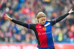 Basel's Birkir Bjarnason trifft zum 1:0. (Bild: Keystone / Georgios Kefalas))