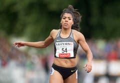 Mujinga Kambundji wird über 100 Meter in 11.36 Zweite. (Bild: Keystone / Urs Flüeler)