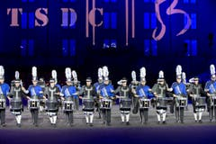 The Blue Devils International Corps, U.S.A. und Teh Top Secret Drum Corps aus der Schweiz. (Bild: Keystone / Patrick Staub)
