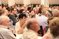 Das Wahlpodium unserer Zeitung vom Freitagabend lockte gegen 260 Zuhörer in den bis auf den letzten Platz gefüllten «Engel»-Saal in Stans. (Bild: Roger Zbinden / Neue NZ)