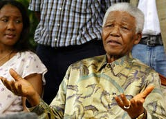 Nelson Mandela in Johannesburg im Januar 2005. (Bild: Keystone)