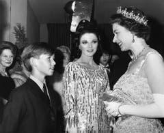 """Die Queen bei der Premiere des Films """"Dr. Dolittle"""" 1967. (Bild: Keystone)"""
