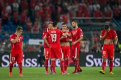 Enttäuschung bei dem Schweizer Spielern nach der Niederlage (Bild: ENNIO LEANZA)