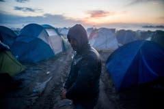Im Lager in Idomeni reiht sich Zelt an Zelt. (Bild: Keystone)