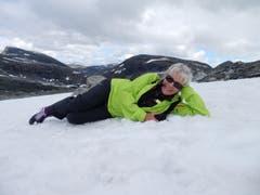 So ein «Foto-Shooting» in Norwegen kann sehr abkühlend sein. «Drück doch ämol ändlichä ab» ! (Bild: Margrith Imhof-Röthlin)