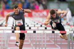 Lawrence Clark aus Grossbritannien (rechts) gewinnt über 110 Meter Hürden in 13.42. (Bild: Keystone / Urs Flüeler)