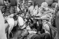 2. Platz, Kategorie Ausland, Reiseziel unbekannt: Mit Flüchtlingen von Salzburg nach Deutschland (Bild: Swiss Press Photo / Joseph Khakshouri)