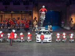 Teil der Show sind auch diese Motorrad-Fahrer aus England. (Bild: Keystone / Patrick Staub)