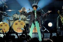 Prince performt bei den Billboard Music Awards im der MGM Grand Garden Arena in Las Vegas im Mai 2013. (Bild: Keystone)