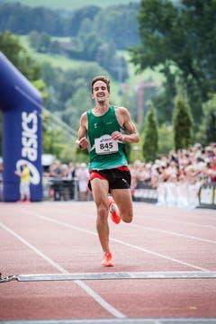 Fabe Dawns aus St. Gallen wird über die Halbmarathon-Distanz Zweiter. (Bild: Manuela Jans-Koch / Neue LZ)