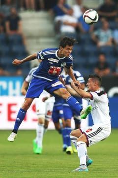 Luzerns Clemens Fandrich (links) gegen Basels Taulant Xhaka. (Bild: Philipp Schmidli)