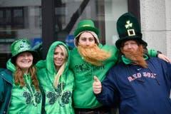 Verkleidete Leute am Umzug in Boston. (Bild: Keystone)