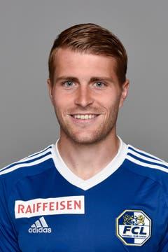 Claudio Lustenberger 4: Der Captain spielt nicht tadellos, aber es gelingt ihm gegen Basel ein insgesamt solider Auftritt. (Bild: Martin Meienberger/freshfocus)