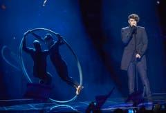 Der Israeli Hovi Star trat beim zweiten Halbfinale mit dem Song «Made of Stars» auf. (Bild: EPA/MAJA SUSLIN)
