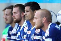Konsternation bei François Affolter, Jakob Jantscher, Ricardo Costa und Marco Schneuwly (von links) nach dem verlorenen Spiel. (Bild: Philipp Schmidli)