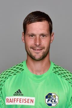 David Zibung 4: Der Goalie kann auch beim dritten Gegentor nicht eingreifen; Costas Kopfball war zu kurz. (Bild: Martin Meienberger/freshfocus)