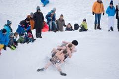 Bathub race in Switzerland (Bild: Keystone / Urs Flüeler)