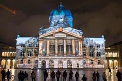 Mit dem Matterhorn und dem Bundeshaus würden zwei Schweizer Wahrzeichen zusammengebracht, betonte Roux. (Bild: Keystone / Lukas Lehmann)