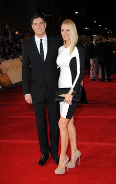 Hollywood-Reporter Vernon Kay mit BBC-Reporterin Tess Daly. (Bild: Keystone)